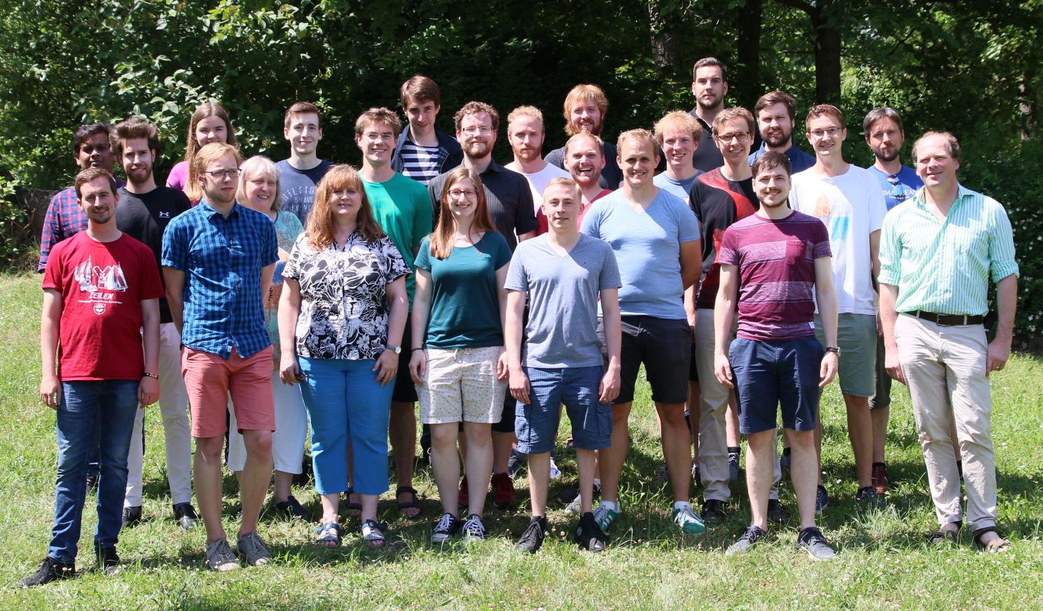 https://www.quantenbit.physik.uni-mainz.de/files/2018/06/Gruppenfoto.jpg